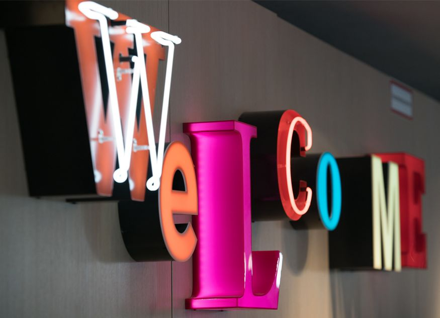 Azimut Hotels hotelbird Hotellerie Gäste Deutschland Österreich online einchecken Check-in auschecken Check-out
