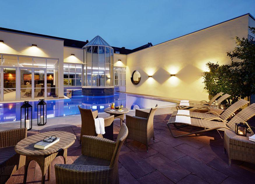 Im Außen-Spa des Binshof Spas können die Gäste vom Alltag entspannen