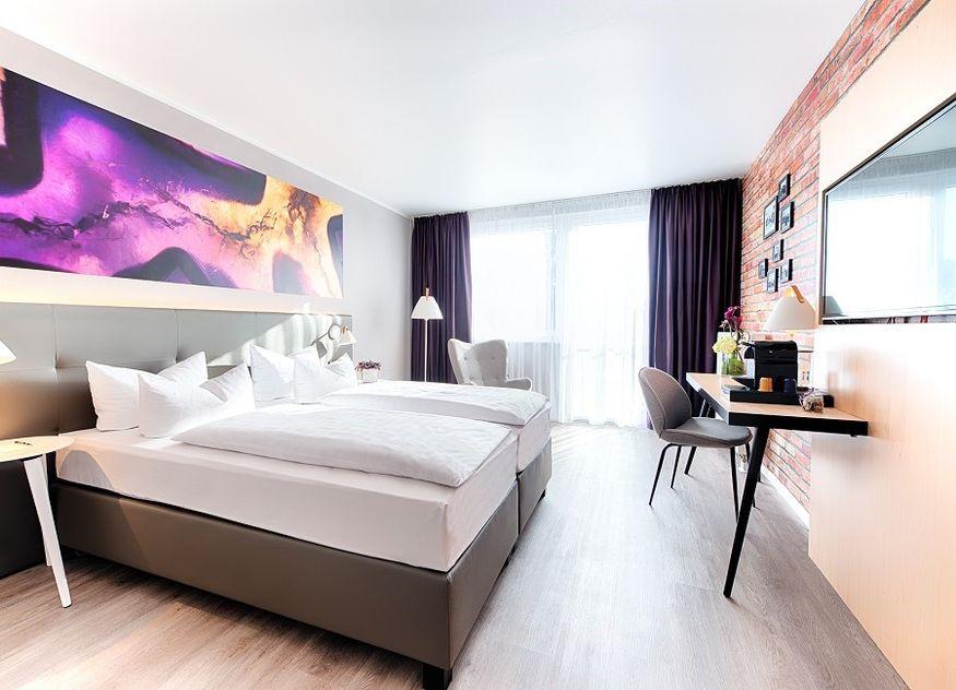 Achat Hotelzimmer Bett Schreibtisch