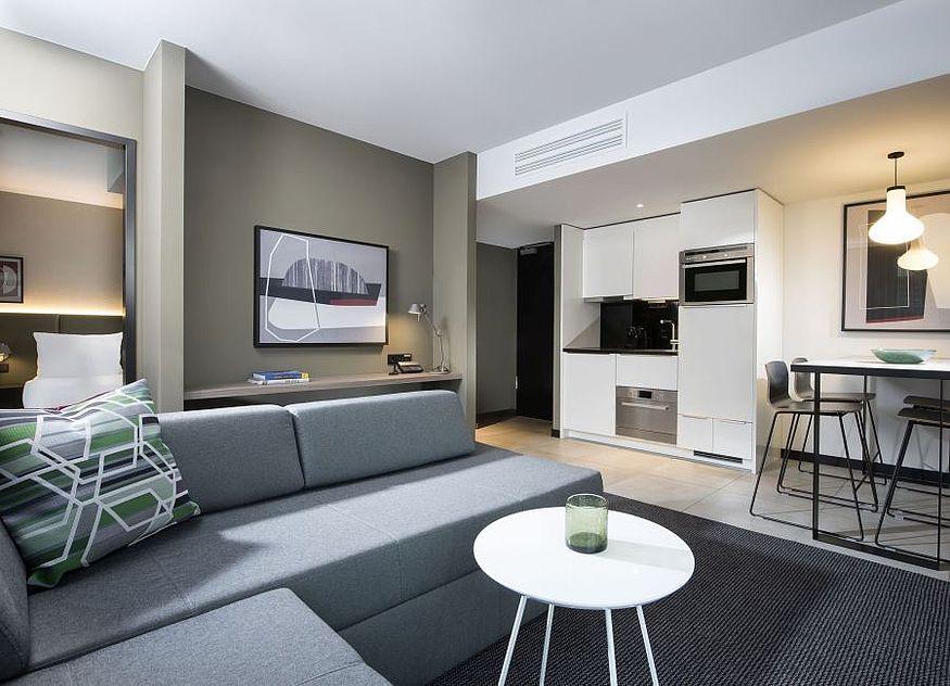 50 hotels bis 2025. Black Bedroom Furniture Sets. Home Design Ideas