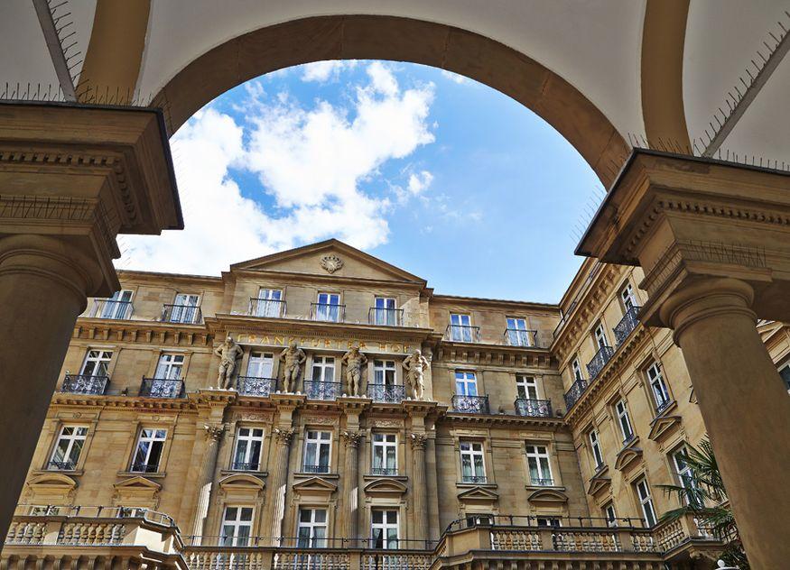 Die Deutsche Hospitality vereint ihre Flagship-Hotels unter einer neuen Marke: Steigenberger Icons. Dazu gehört auch das Steigenberger Frankfurter Hof