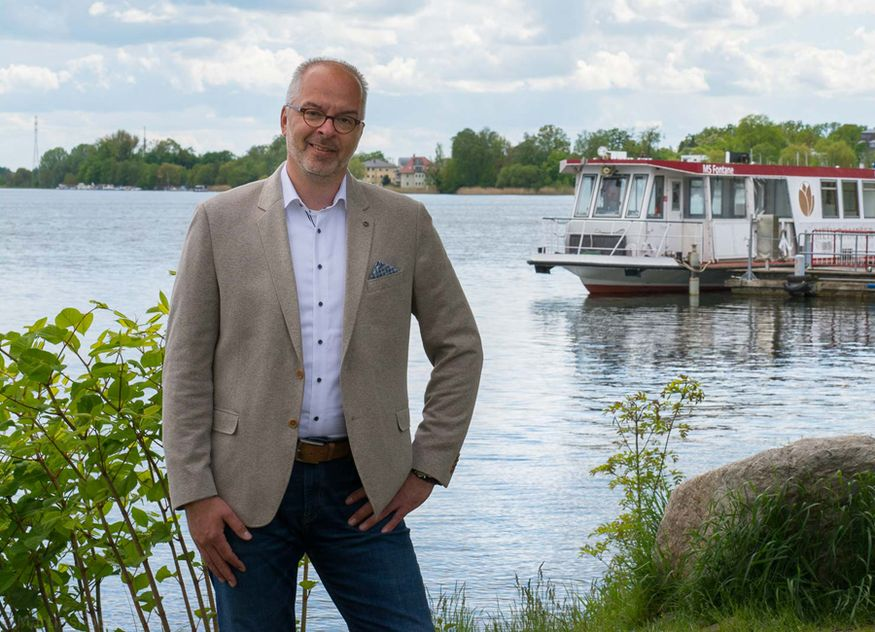 Martin Wenzel hat zum 17. Juni 2021 offiziell die Direktion des Resort Mark Brandenburg und der dazugehörigen Fontane Therme in Neuruppin übernommen