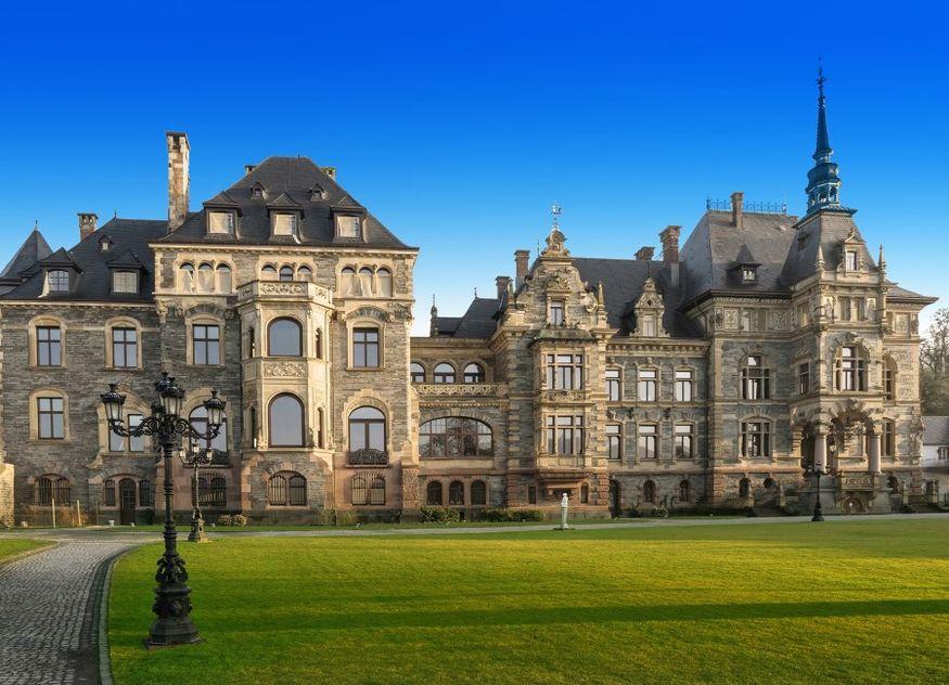 Hotel Schloss Lieser aussen
