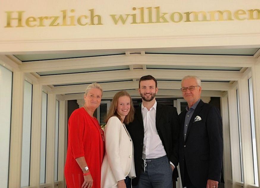 Petra Schumann Samira Frederik Nebrich Rüdiger Schumann Hoteliers