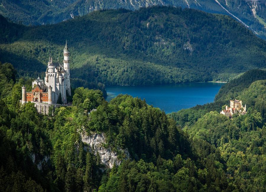 48 Prozent der Deutschen planen 2021 ihren Urlaub in Deutschland – das geht aus einer aktuellen Mintel-Studie zum Thema Inlandstourismus hervor. Das beliebteste Reiseziel laut der Studie ist Bayern