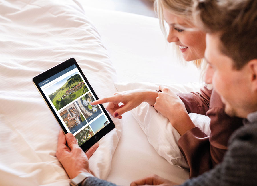 Gastfreund Phone Handy Tablet Highlight-Feed App Gästemappe Hotellerie Relaunch Design Verbesserungen