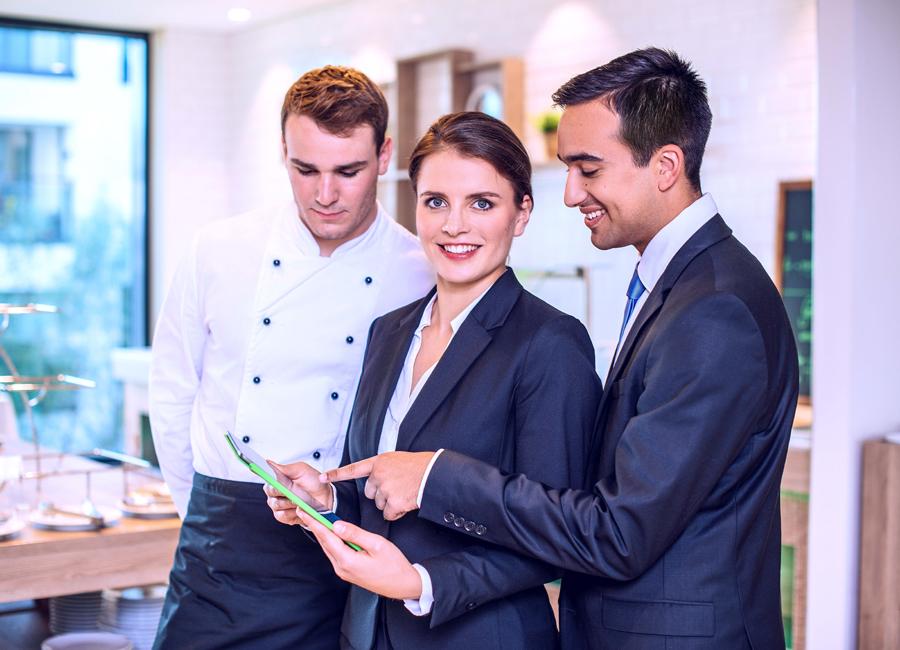 Eine neue IST-Webinarreihe bietet Digitalisierungsthemen in der Hotellerie