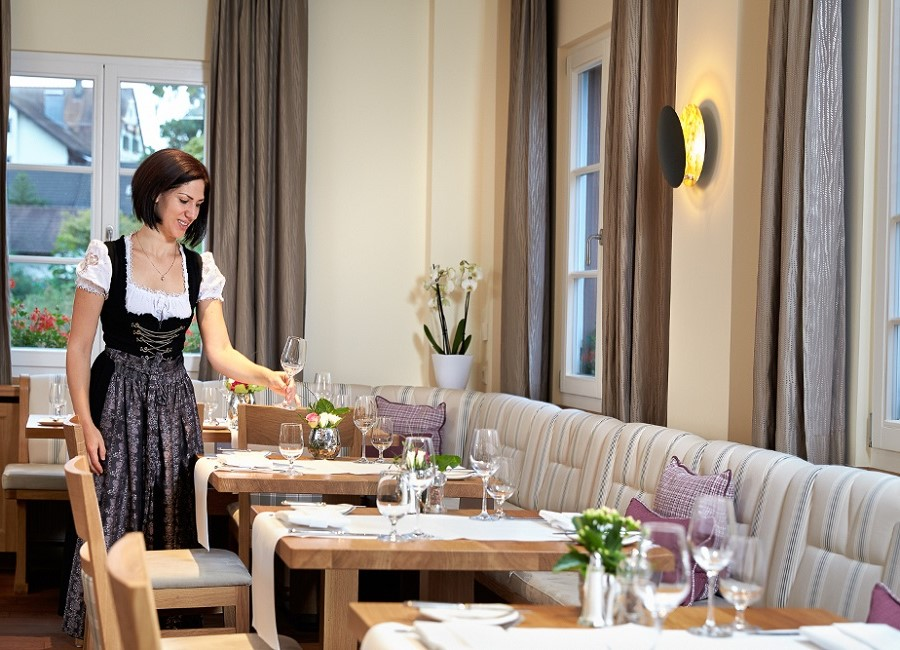 Restaurant Kellnerin Service