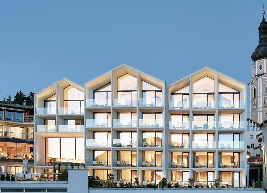 Schgaguler Hotel Auszeichnung Award Hotelimmobilie des Jahres 2019 Hotellerie Kastelruth Südtirol Thomas
